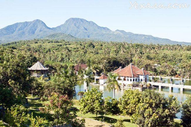 Рейтинг пам`яток Балі: палац на воді Таман Уджунг