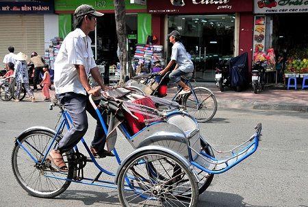 Велорикша у В`єтнамі