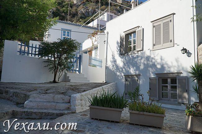 Острів Ідра в Греції, будинки і вулиці