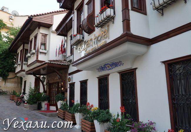Готелі в Анталії
