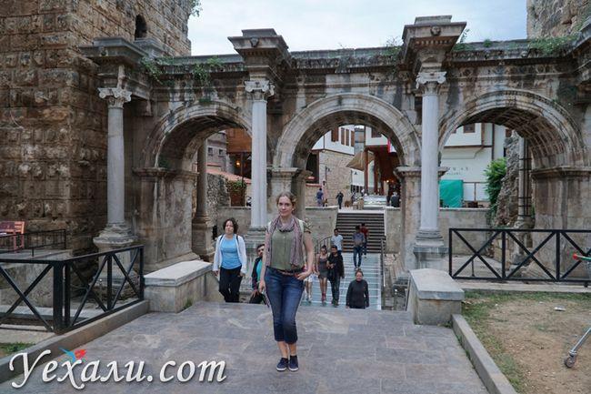 Ворота Адріана в Анталії