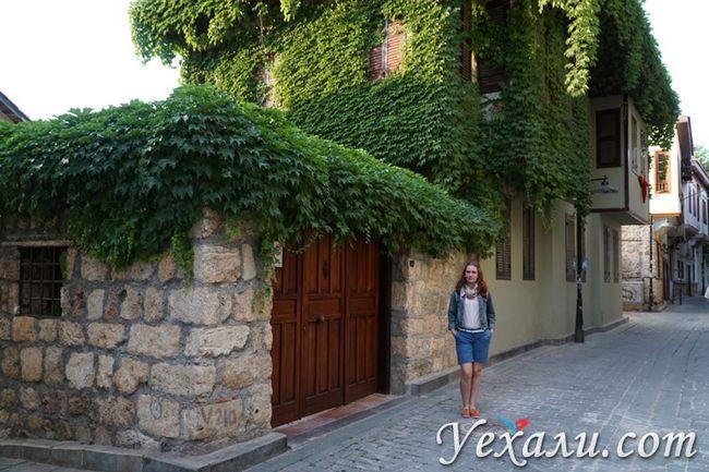 Готелі в старому місті Анталії