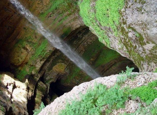 Водоспад баатар (таннорін, ладан)