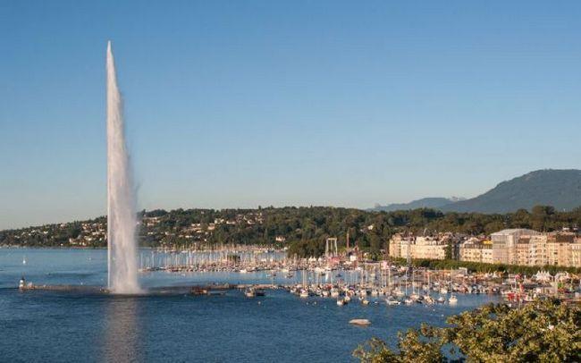 Женевський фонтан (jet d`eau) - візитна карта міста і швейцарської конфедерації